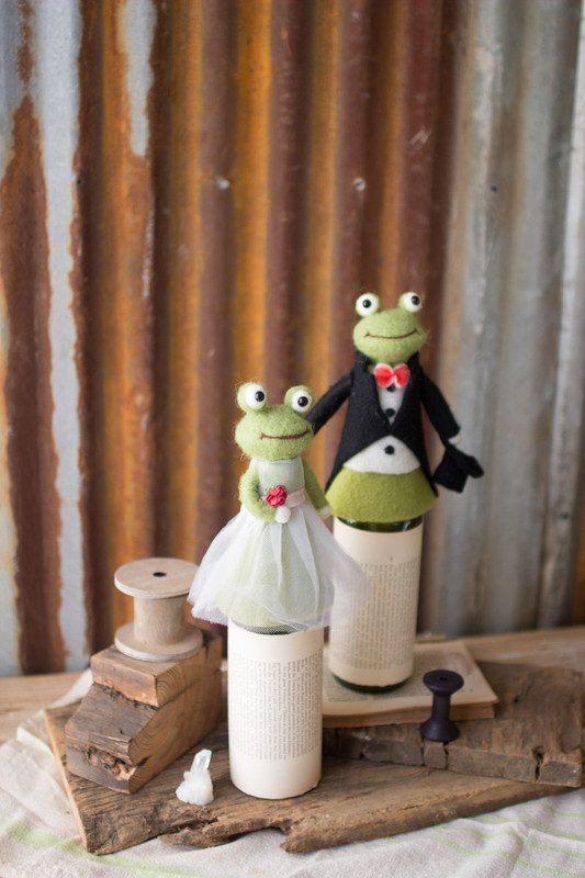 frog wine toppers
