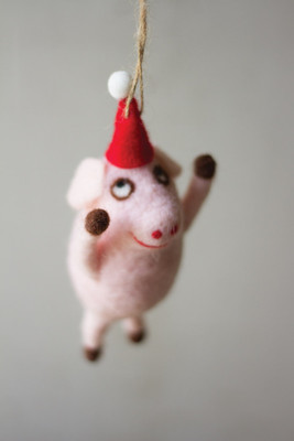FELT FLYING PIG ORNAMENT