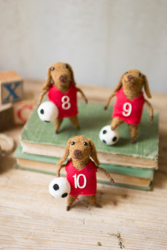 FELT DOG SOCCER PLAYERS