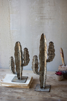 SET OF TWO METAL CACTI