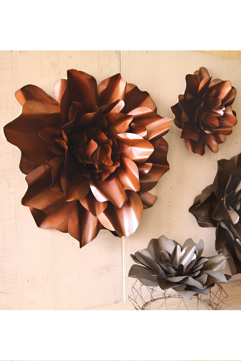 Rustic metal flower wall hangings flower sculpture for Floral wall art