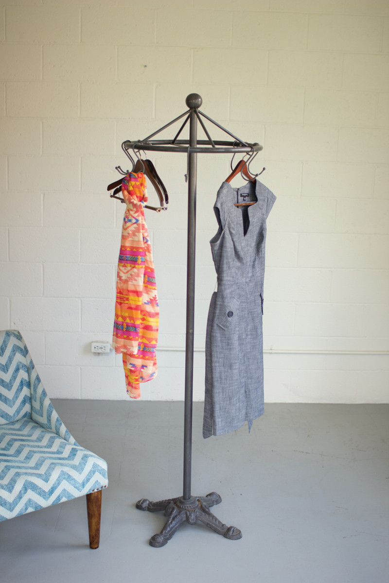 Spinning Iron Clothes Rack
