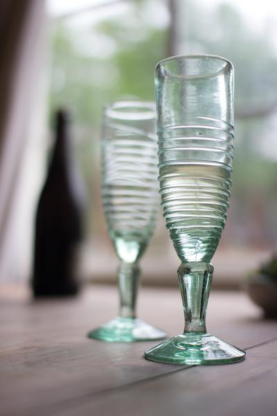 recycled glass champagne flute - bottom swirl