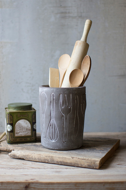 GREY WASHED CLAY UTENSIL HOLDER
