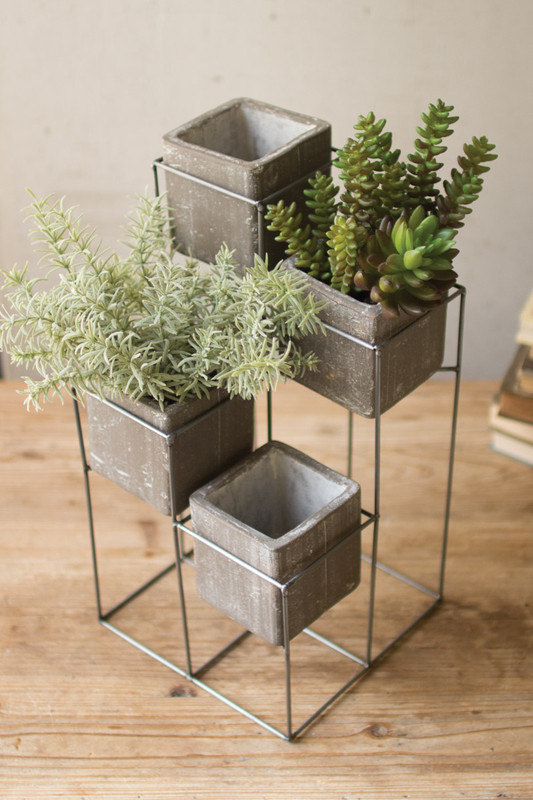 TOWER WITH FOUR SQUARE PLANTERS