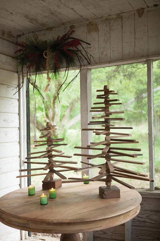tabletop wooden Christmas tree smal