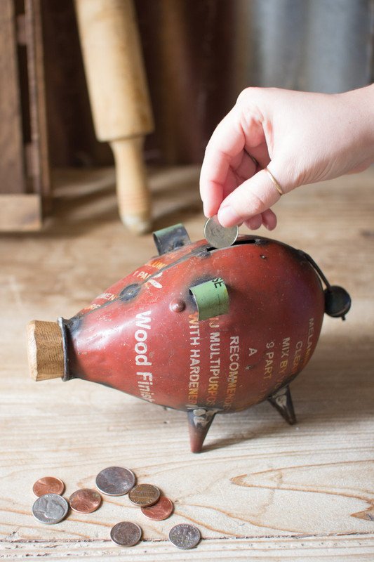 RECYCLED IRON RED PIGGY BANK