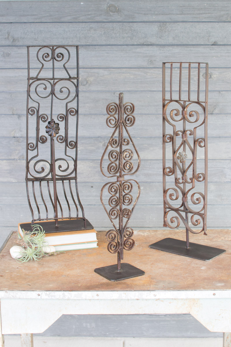 IRON GRILLES WITH STAND