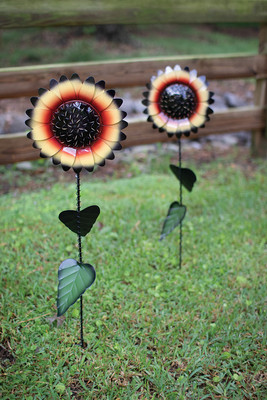 Set of 2 Sunflower Yard Stakes