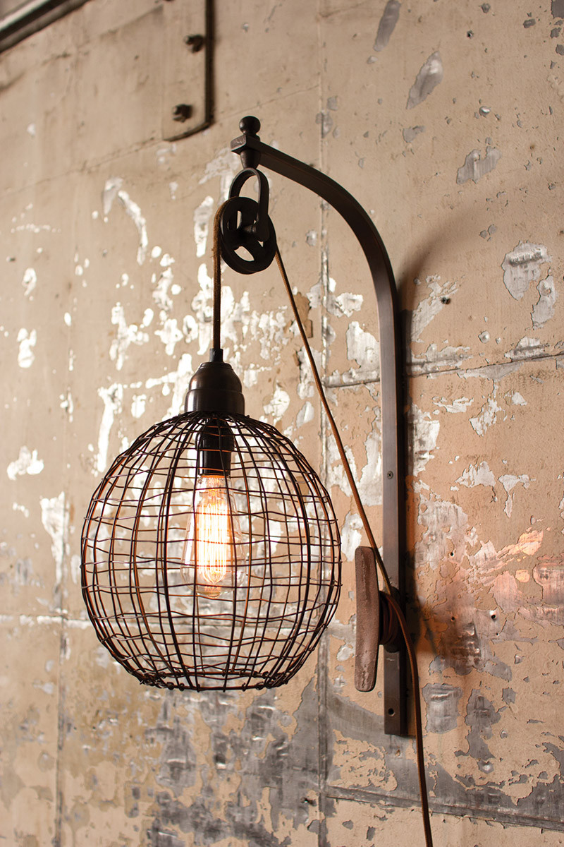 Wire wall lamp wiht pulley sphere for Lamp industrieel