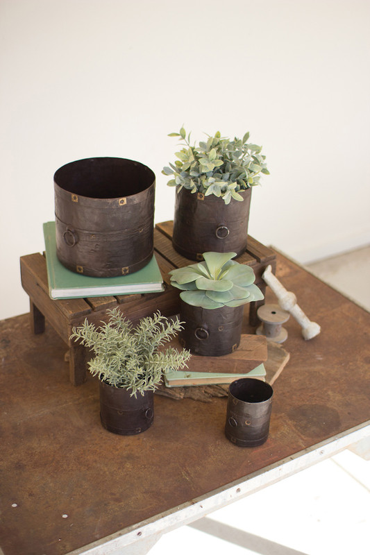 RUSTIC METAL CONTAINERS
