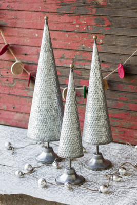 set of 3 zinc topiaries - What Day Does Christmas Fall On